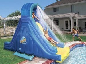 All You Need To Know About Choosing The Ideal Inflatable Swimming Pool Slide