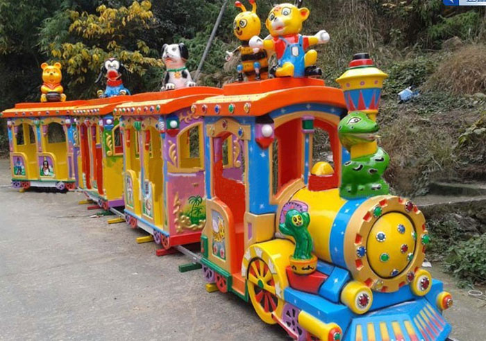 Creating A Memorable Event With An Amusement Park Train
