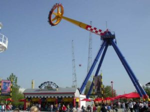 Hiring Frisbee Amusement Rides For A County Fair