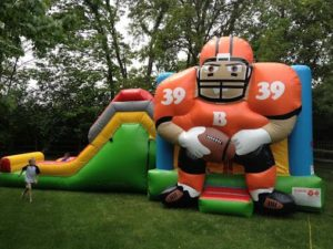 Reasons To Get An Inflatable Bounce House Combo