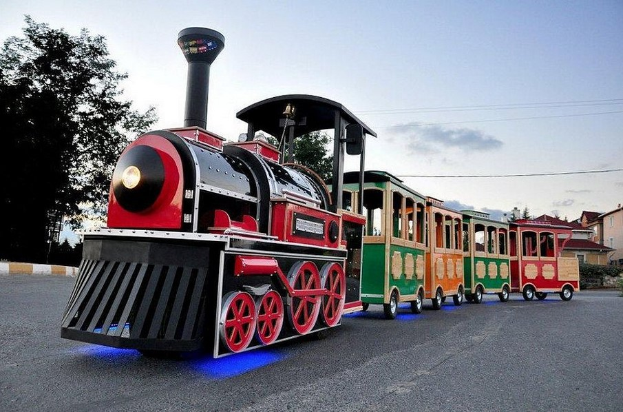 Businesses Using Trackless Train Rides