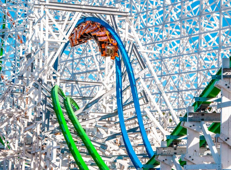 Keep Visitors Entertained With The Best Theme Park Rides